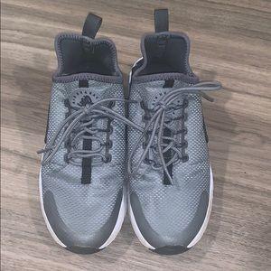 NIKE — air huarache grey women's sneakers